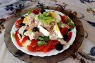 Салат с тунцом и сметанной заправкой