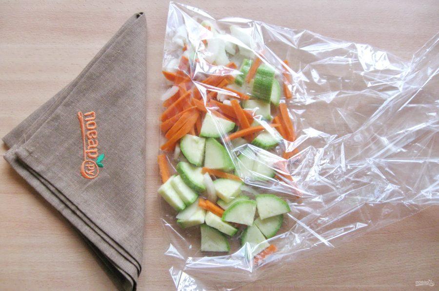 Карп на овощной подушке