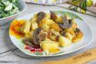 Картошка с грибами и салом