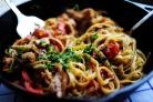 Феттучини с курицей, помидорами и болгарским перцем