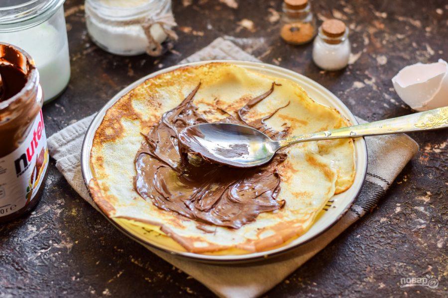 Приготовление блинчиков с шоколадной пастой