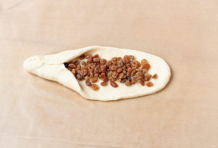 Заготовки для косичек с изюмом