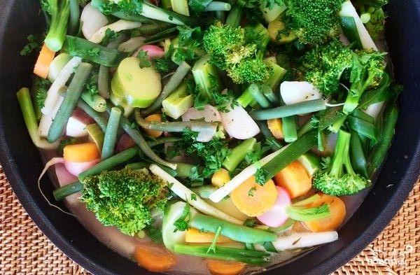 Тушеные овощи с лимоном, зеленью и сливочным маслом