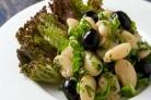Теплый салат из белой фасоли