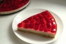 Творожно-малиновый торт