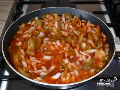 Солянка с мясом и колбасой