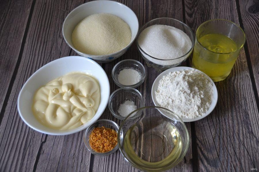 Ингредиенты для пирога на манке с майнезом