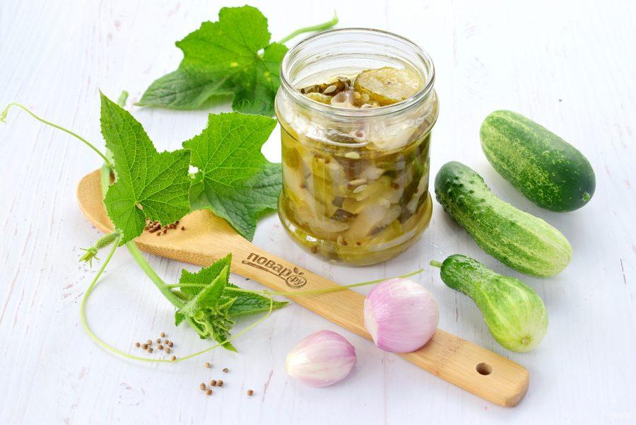 Зимний салат из огурцов