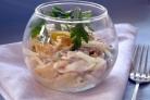Салат с куриной копченой грудкой простой