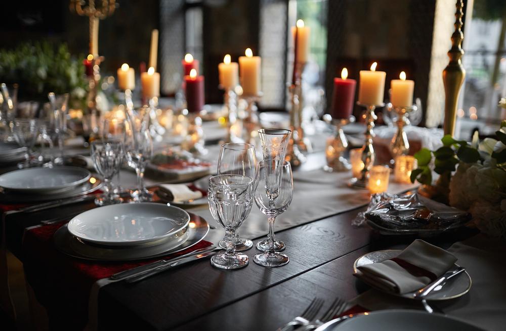 Свечи на столе