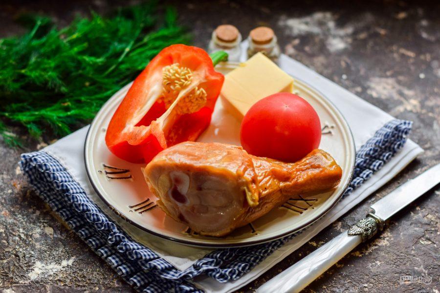 Ингредиенты для салата с копченой курицей
