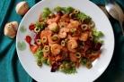 Салат с креветками и овощами