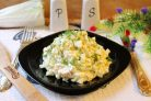 Салат с пекинской капустой, курицей и ананасом
