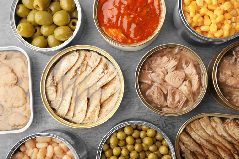 Консервы: шпроты, тунец, горошек, кукуруза, фасоль, печень трески