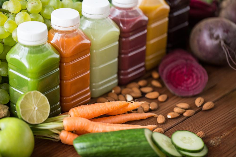 Детокс напитки из свеклы, моркови, яблока и сока лайма