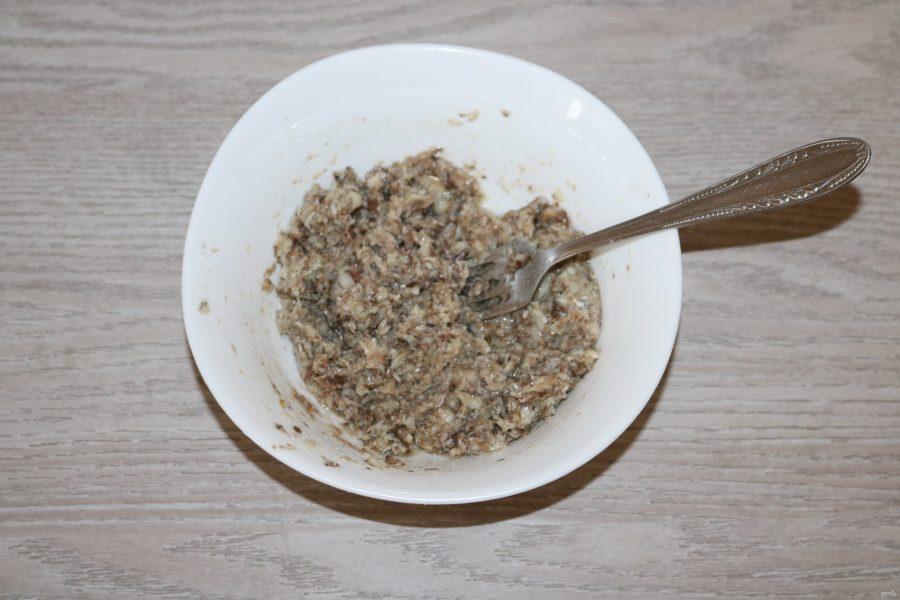 Салат из риса и шпрот