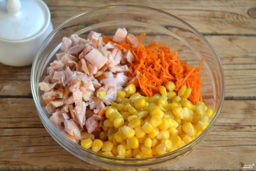 Салат с корейской морковью и куриными сердечками