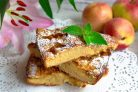 Классическая шарлотка с яблоками и нектаринами
