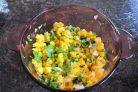 Салат с манго и зеленью