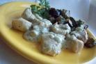 Куриное филе в соусе из сливок и сыра дор-блю