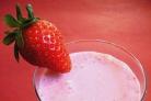 Витаминный напиток из клубники