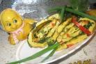Омлетный рулет со шпинатом,  зеленью и сладким перчиком