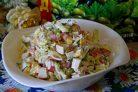 Салат с крабовыми палочками и перепелиными яйцами
