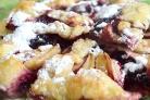 Пирог со смородиной и яблоками