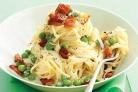 Спагетти с беконом и горохом