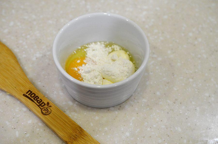 Крабовый салат с яичными блинчиками