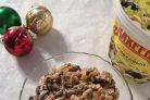 Салат с колбасой, фасолью, сухариками и майонезом Махеевъ
