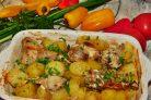 Кролик с картофелем в сметане, запеченный в духовке