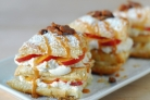 Десерт со взбитыми сливками