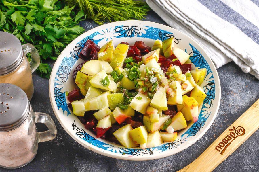 Салат из свеклы с фасолью и яблоком