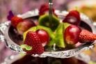 Канапе из фруктов на шпажках