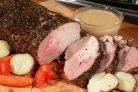 Запеченная свинина с белым соусом