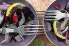 Салат с куриным филе и свеклой