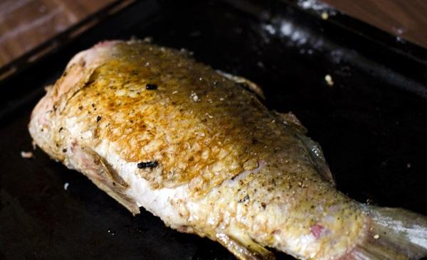 Рыба начиненная кашей