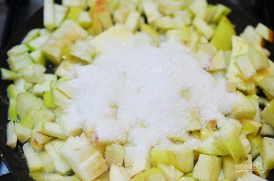 Карамельно-яблочный пудинг