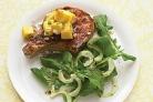 Глазированная свинина с сальсой из манго