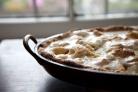 Пирог с грушами и яблоками