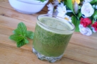 Зеленый коктейль с яблоком