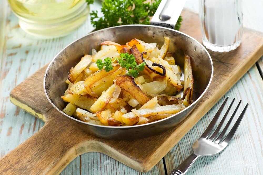 Картошка, жаренная на сковороде