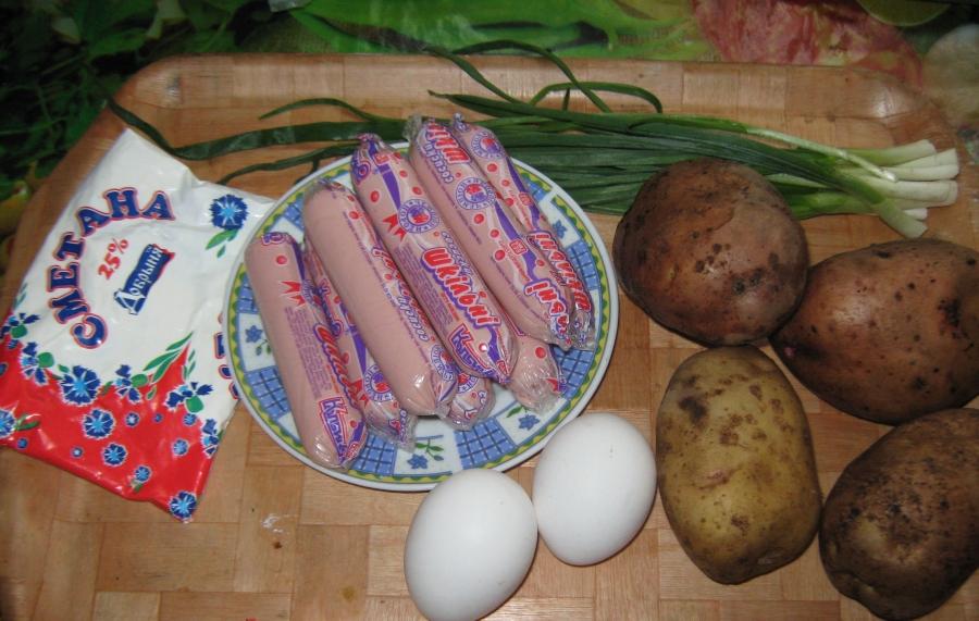 Суп с сосиской и яйцом