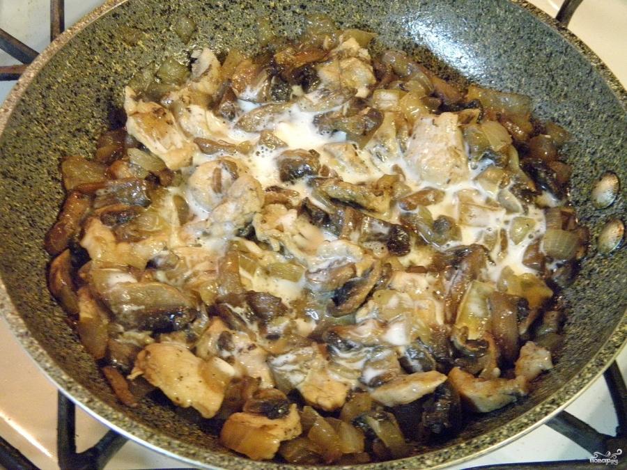 Жульен в тарталетках с грибами и курицей