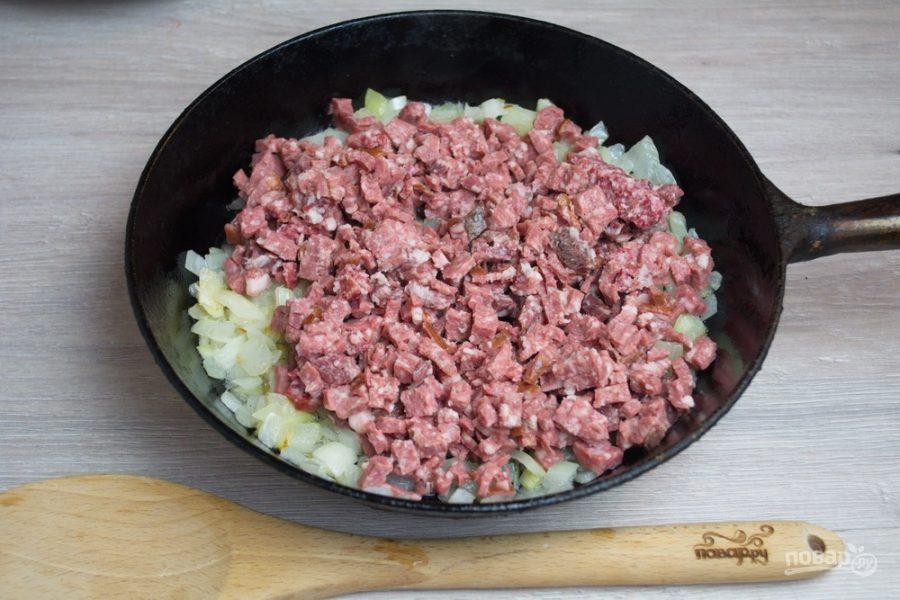 Солянка с колбасой