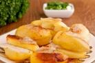 Картофель, запеченный в духовке в фольге с салом