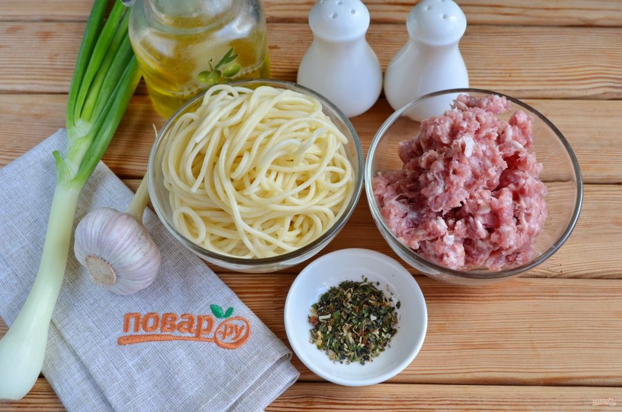 Оладушки из фарша и спагетти