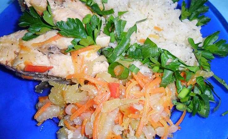 Горбуша с рисом в пароварке
