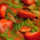 Клубничная заправка для салатов
